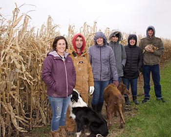 CALS freshmen visit four Iowa farms