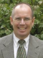 Dr. Arne Hallam